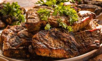 Nằm mơ thấy ăn thịt đánh con gì? Ý nghĩa giấc mơ thấy ăn thịt?